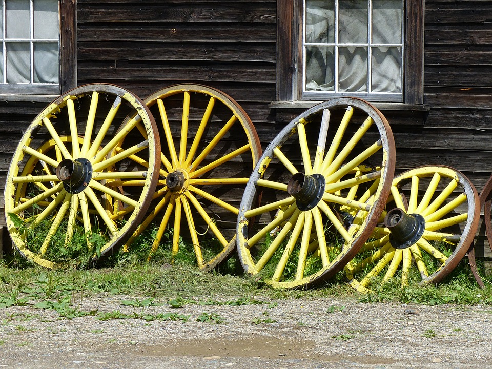 wagon-wheels-2876555_960_720